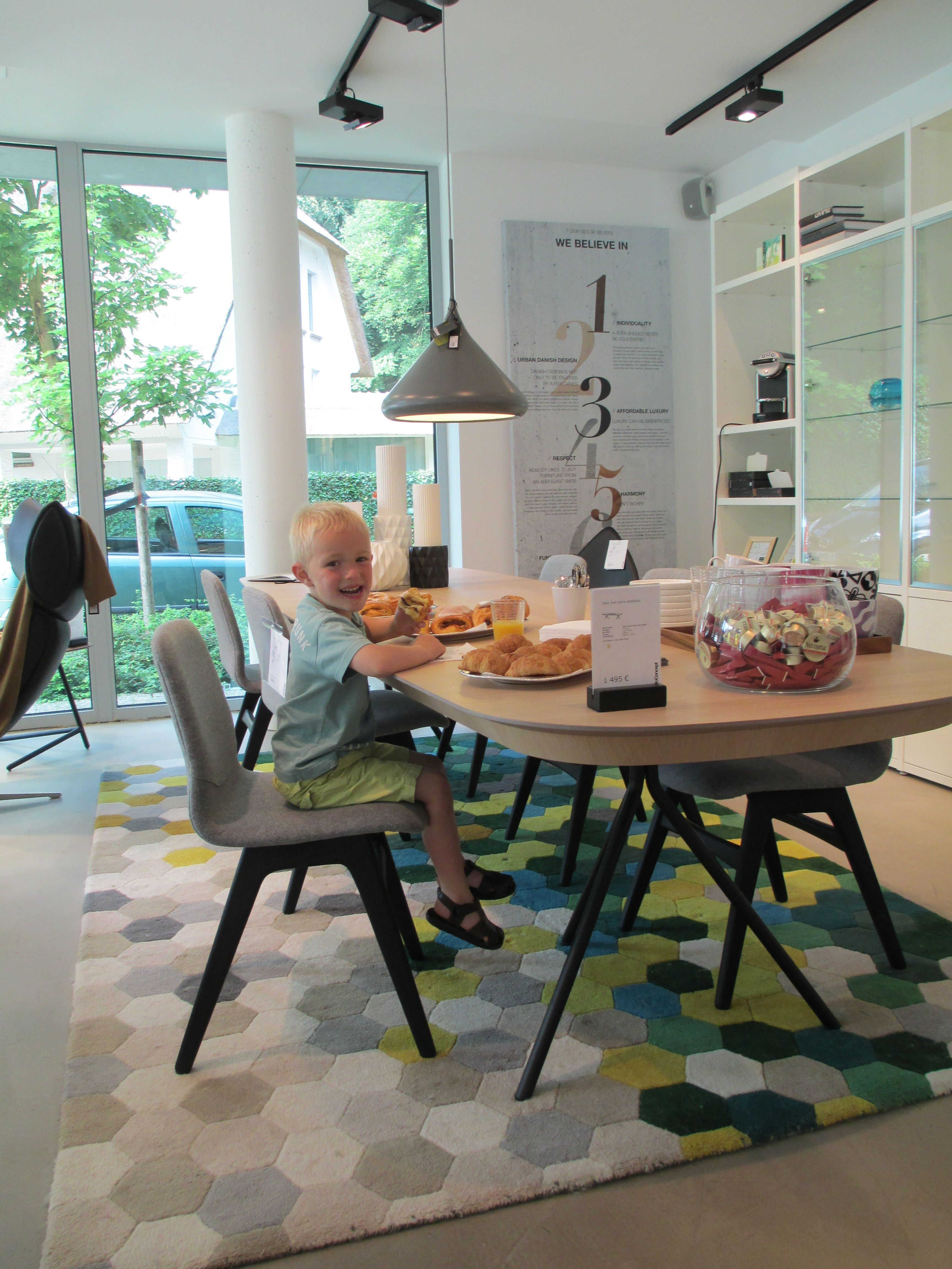 BoConcept Ottawa Table And London Chairs