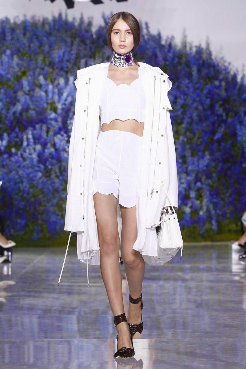 444582dcbe9 Dior Ready To Wear Spring Summer 2016 Paris - NOWFASHION