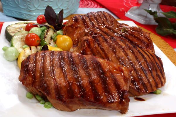 This Chinese pork recipe is the perfect way to turn a backyard barbecue on its head! Put aside those burger and steak classics and make way for pork. This pork chop recipe adds a different twist on grilling 'cause it's got a few zesty twists that'll widen your guests eyes in surprise. You won't even have to marinate 'em that long, so you can cook up plenty of these in a snap Read more at http://www.mrfood.com/Pork/Grilled-Asian-Pork-Chops#dlJbX1As987tHYeL.99