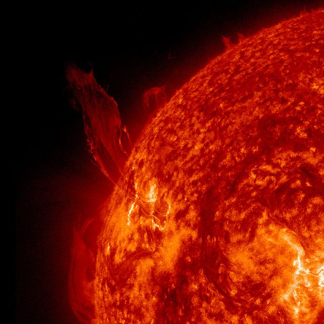 Spurting Prominence