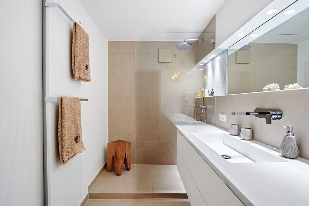 Bagno Stretto E Lungo Idee : Idee moderne per ristrutturare un bagno stretto e lungo