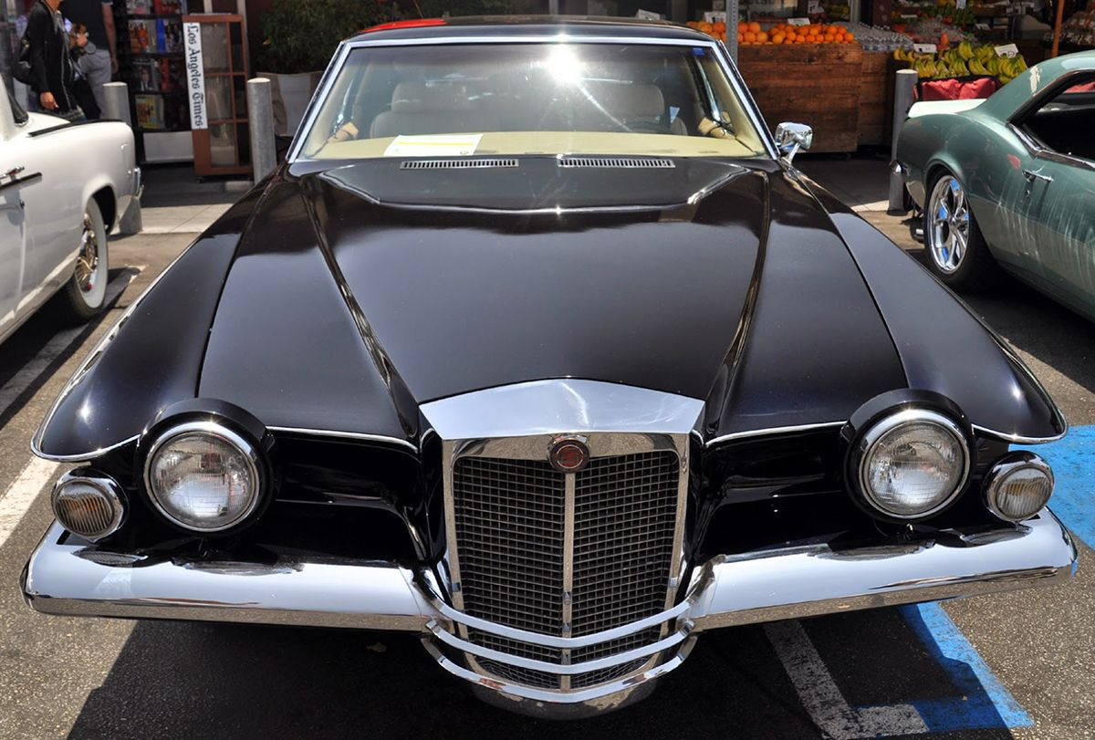 The Stutz Blackhawk. A super luxury car made in America from the 70s ...