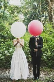 wedding photo idea with large round balloons