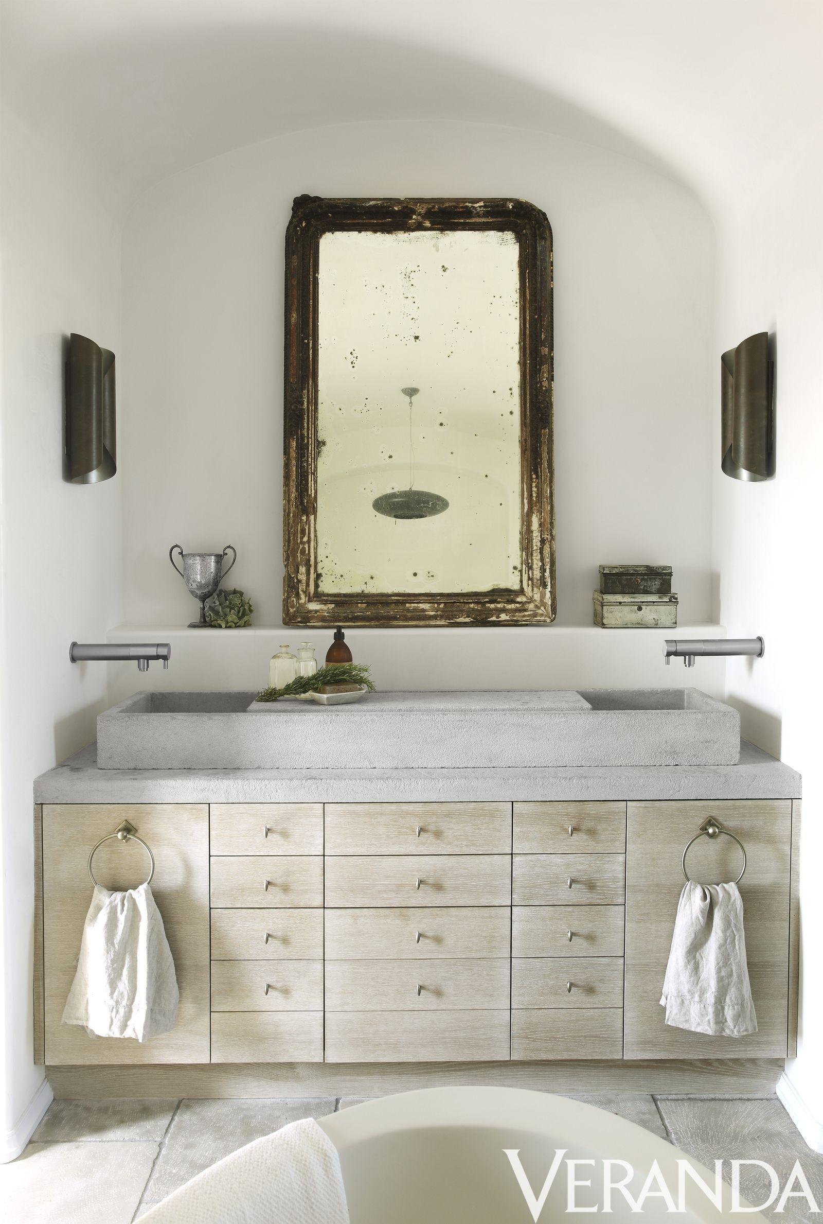 35+ Beautiful Bathroom Decorating Ideas | Large gold mirror ...