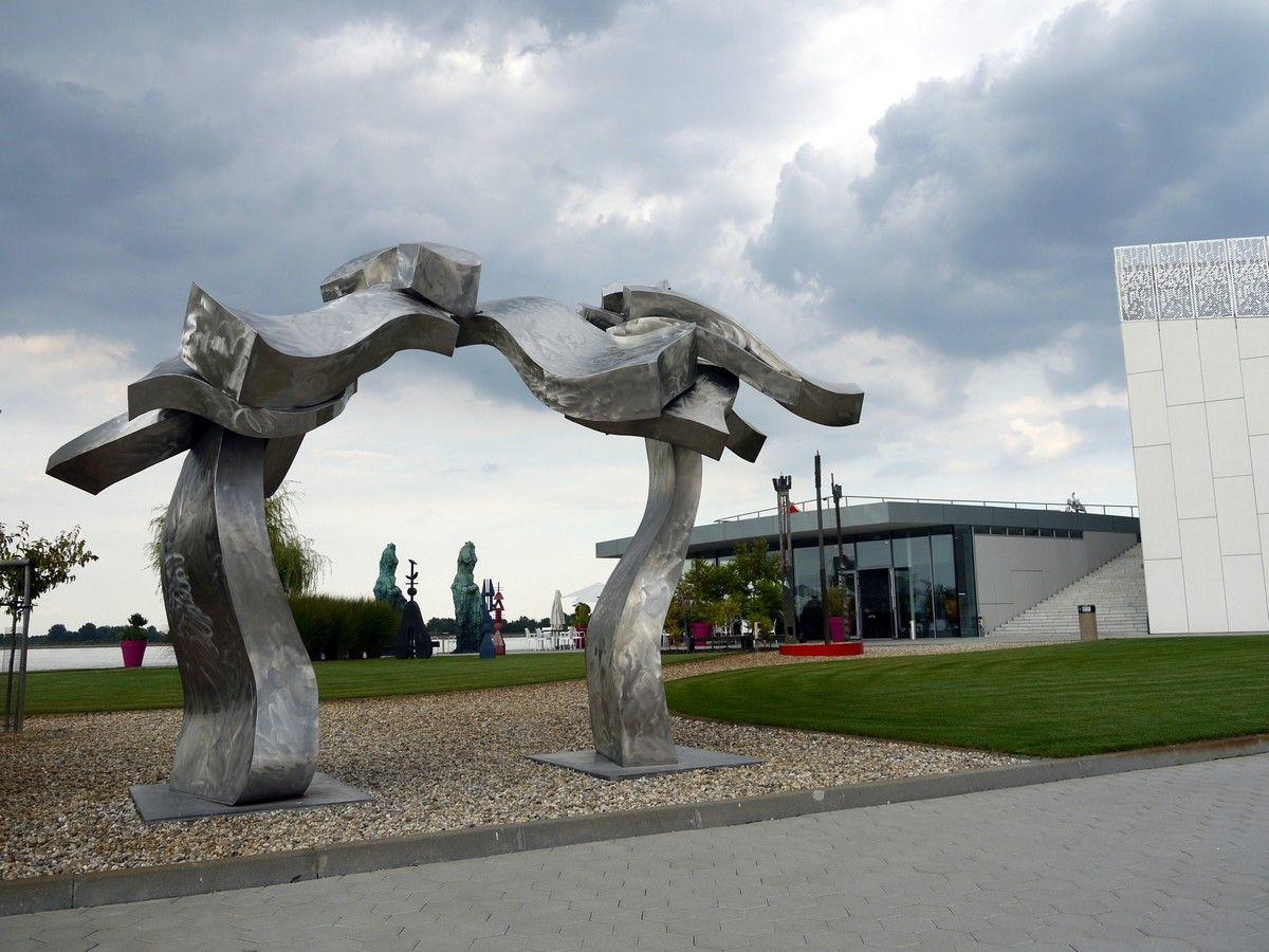 #modernart #gallery #Danubiana #Danube #museum #modernarchitecture #moderneumenie #galéria #múzeum #modernáarchitektúra #art #umenie #Dunaj