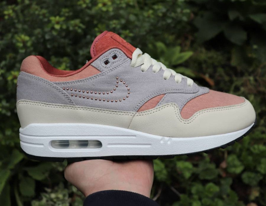 La Nike Air Max 1 PRM ID By You Pinned Swoosh en 10 images ...