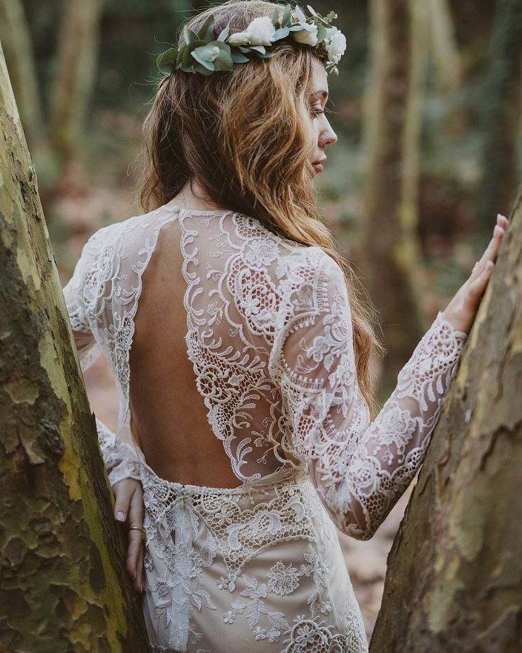 boho long sleeve wedding dress #weddingdress #weddinggown #weddingdresses #wedding #boho #bohemianweddingdress