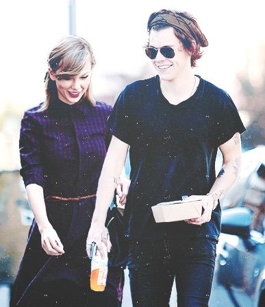 Image via We Heart It https://weheartit.com/entry/146960446 #TaylorSwift #1d #haylor #harryandtaylor #harry&taylor #harrystyles