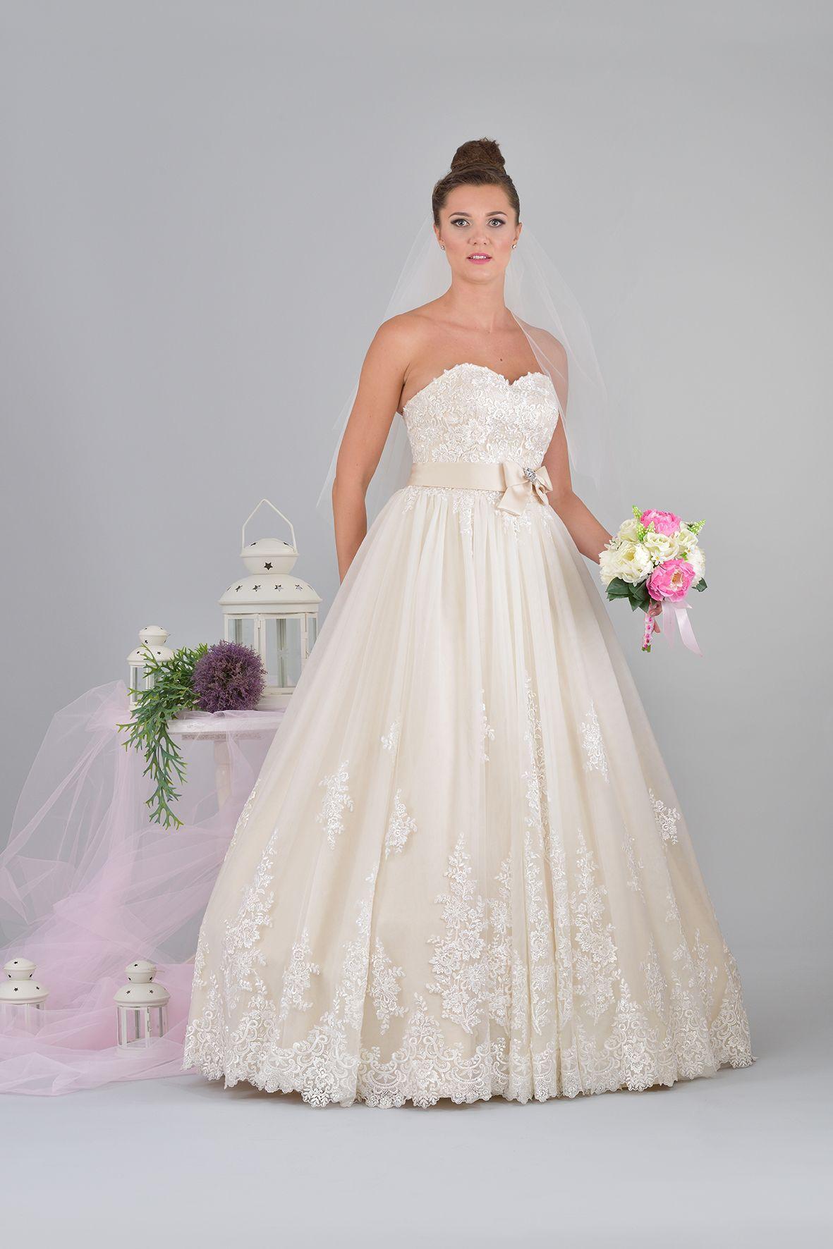 Zaawansowane Suknia ślubna księżniczka. Koronkowy gorset i wykończenie sukni GT32