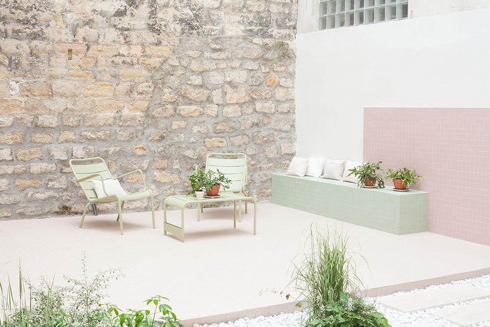 Pastel courtyard by heju studio