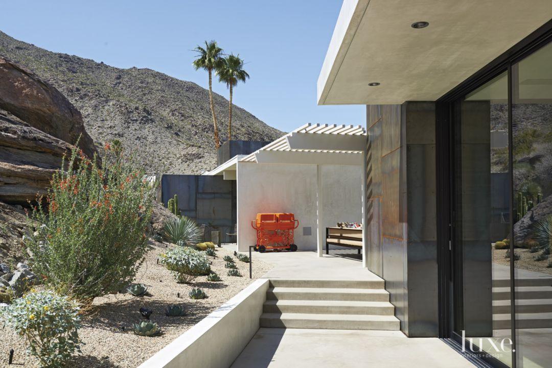 IndoorOutdoor Midcentury Desert Oasis LuxeSource Luxe - A mid century desert oasis in palm springs