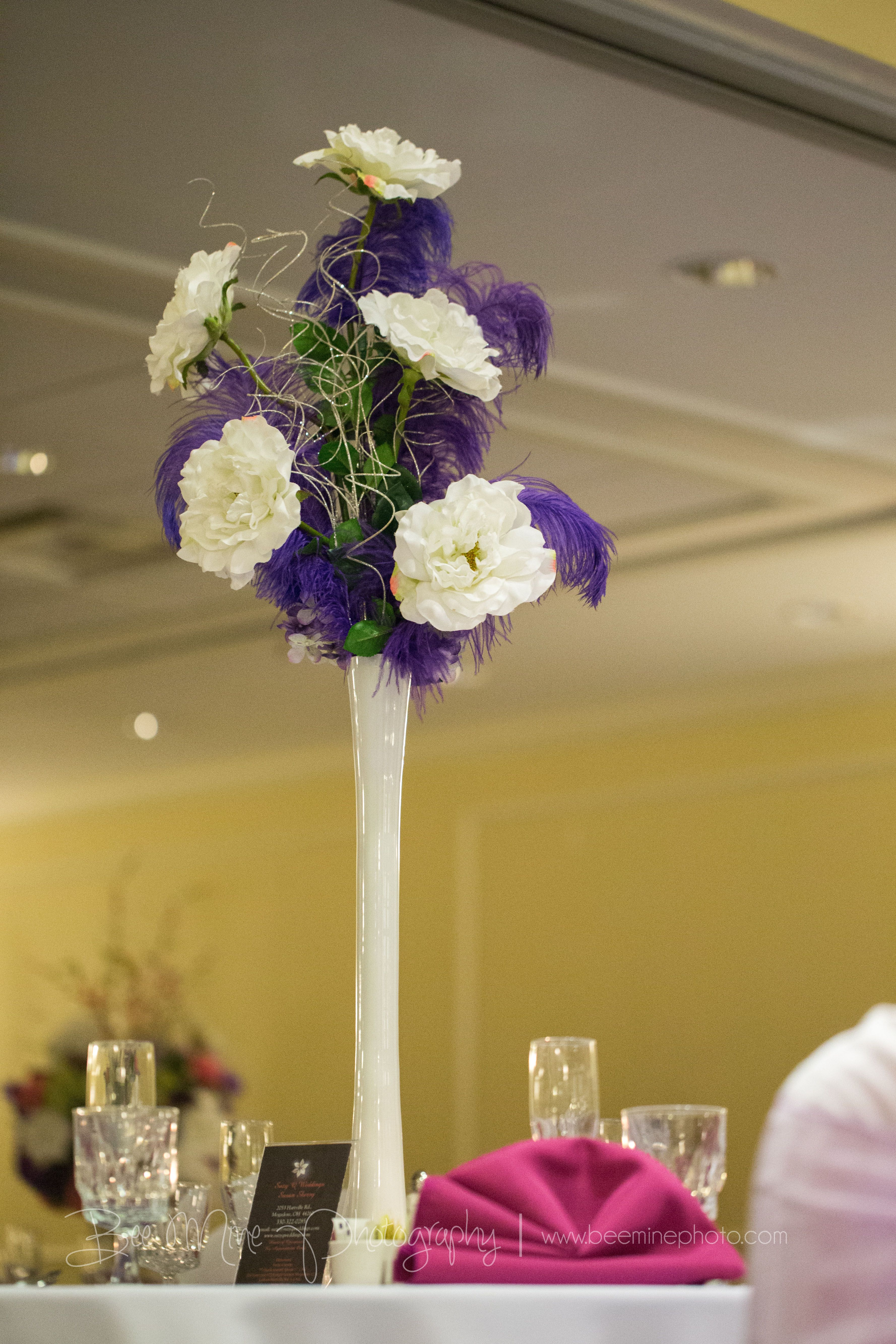 Centerpiece by Suzy Q, photo by Bee Mine Photography.