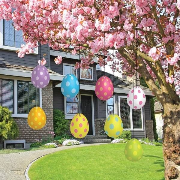 Good Creative Outdoor Easter Decoration Ideas Plastic Eggs On Strings Blossoming  Tree