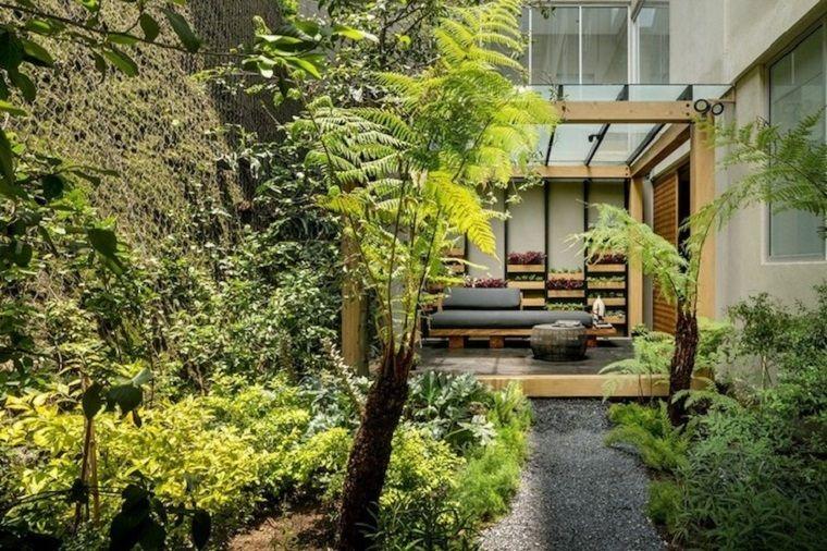 Giardini da copiare arredamento con mobili in legno e cuscineria