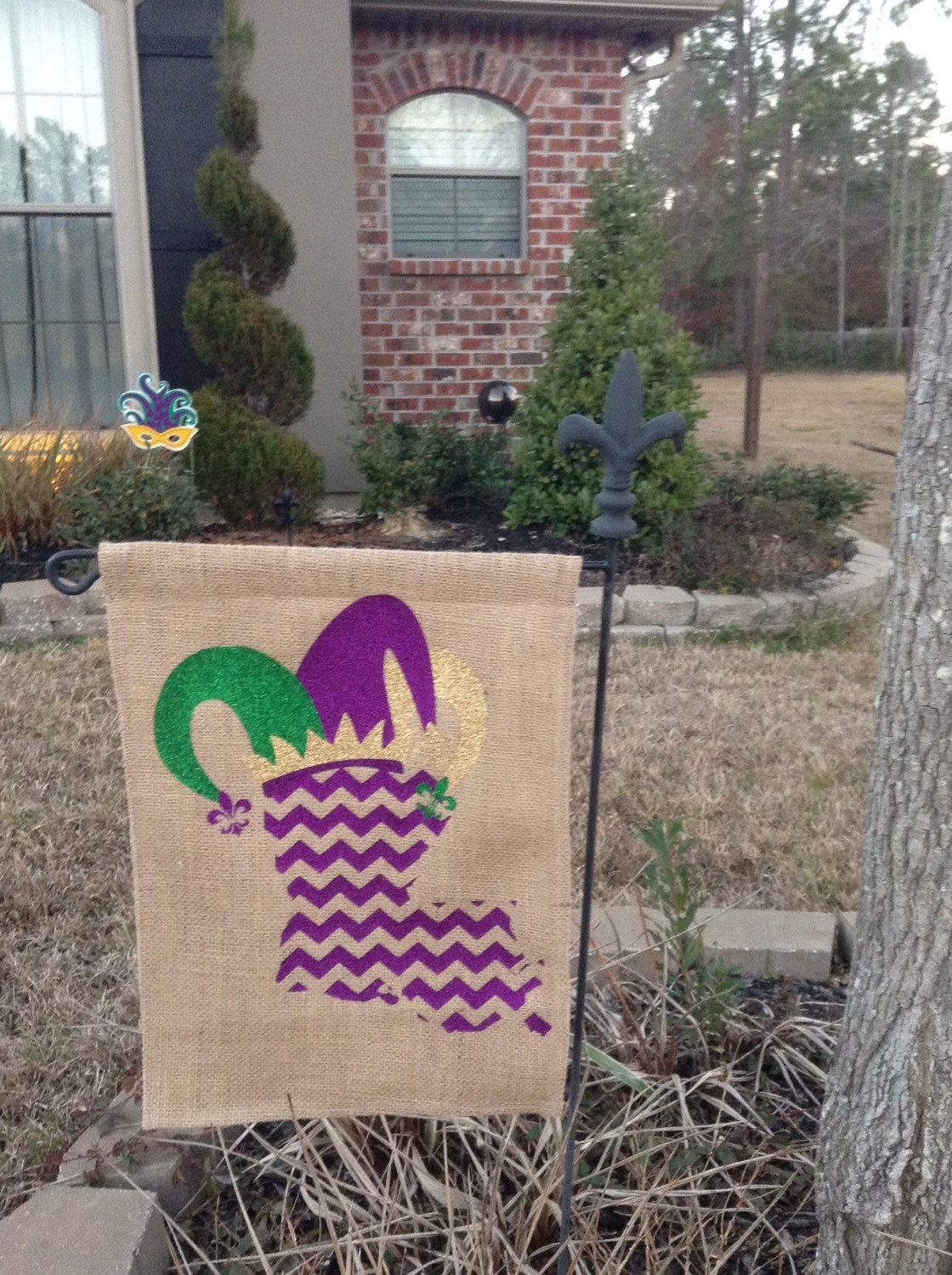 Superior Burlap Garden Flag With Louisiana And Mardi Gras Jester Hat