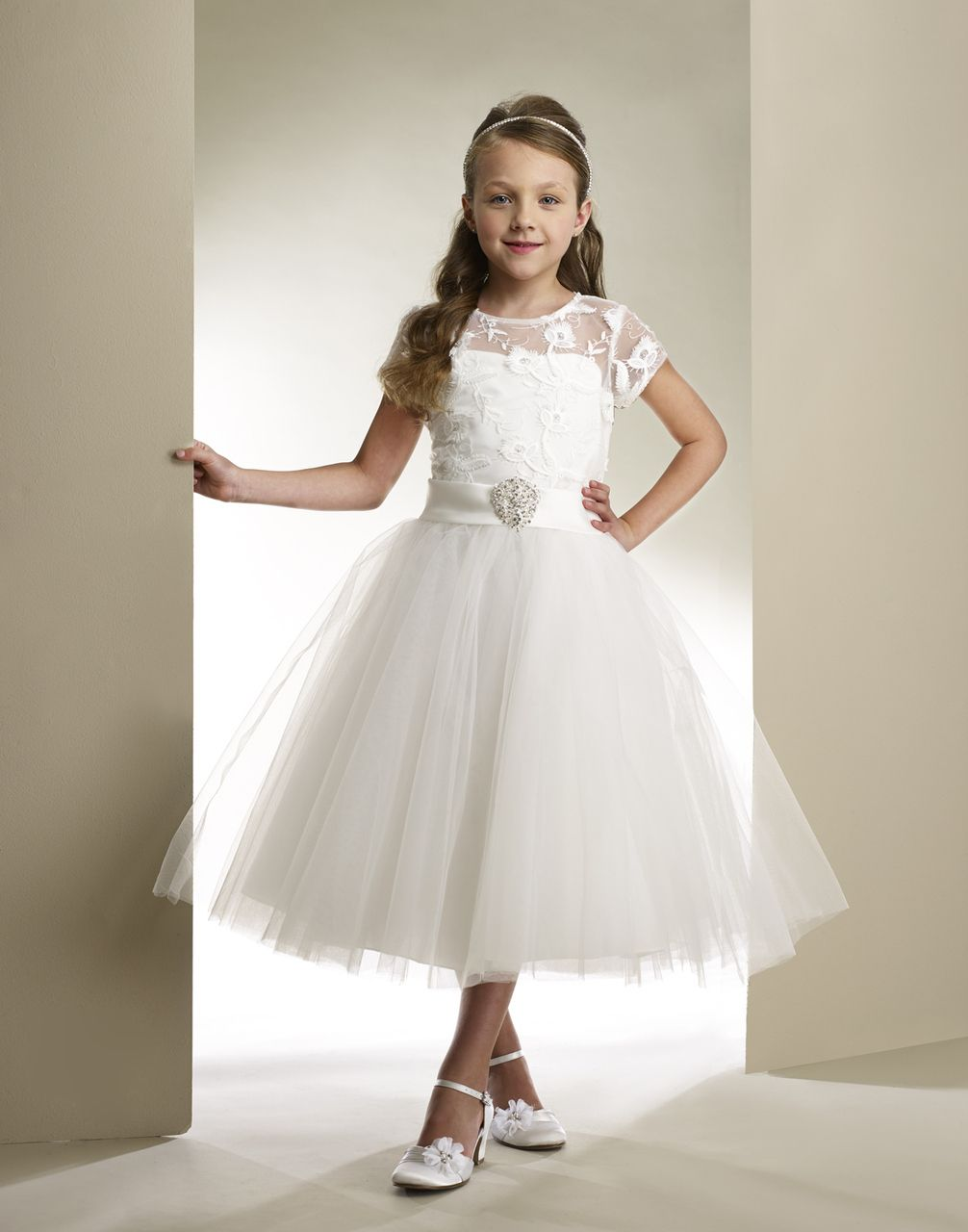 269034fe8 Macis Princess White Lace Tulle Communion Dress