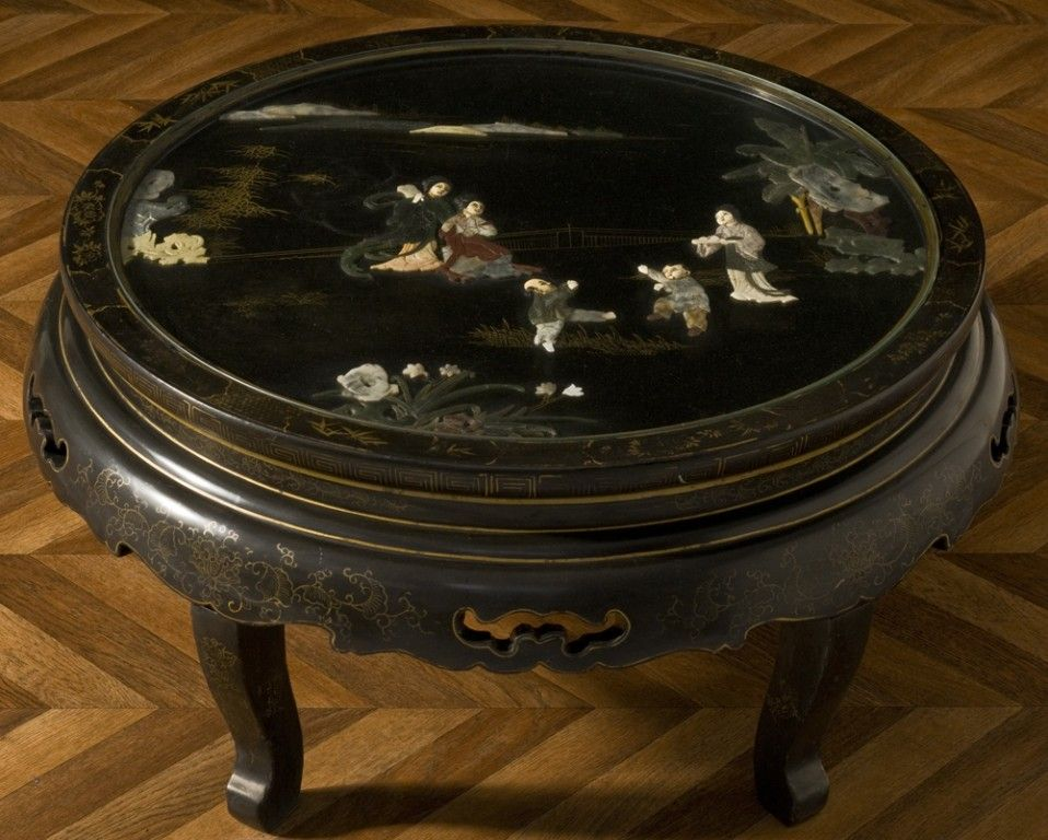 Table Basse Chinoise Laquee Carree Avec Incrustations