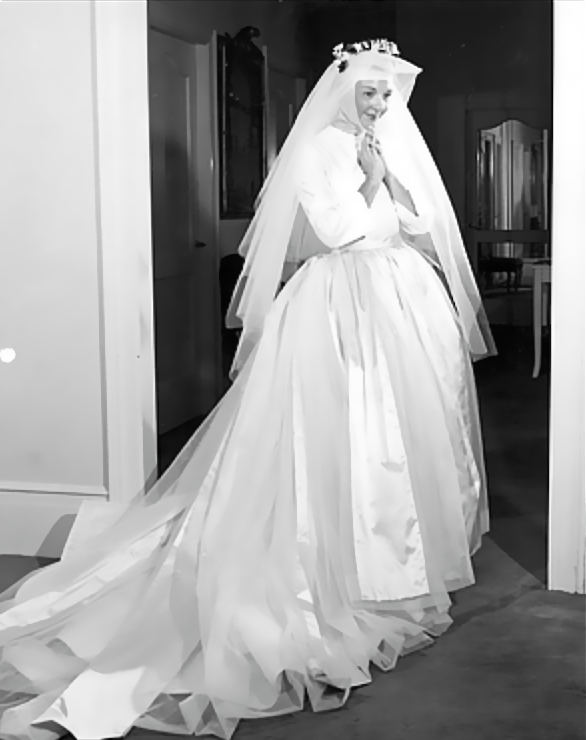 OperaQueen - Mary Martin in her Mainbocher wedding gown, as ...