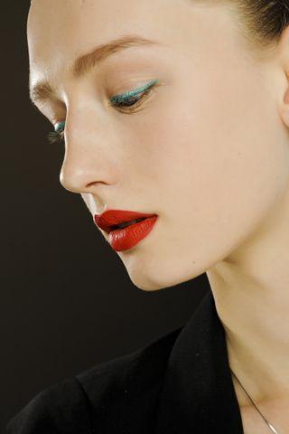 Red Lips No Mascara Green Eyeliner Teal Eyeliner Beauty