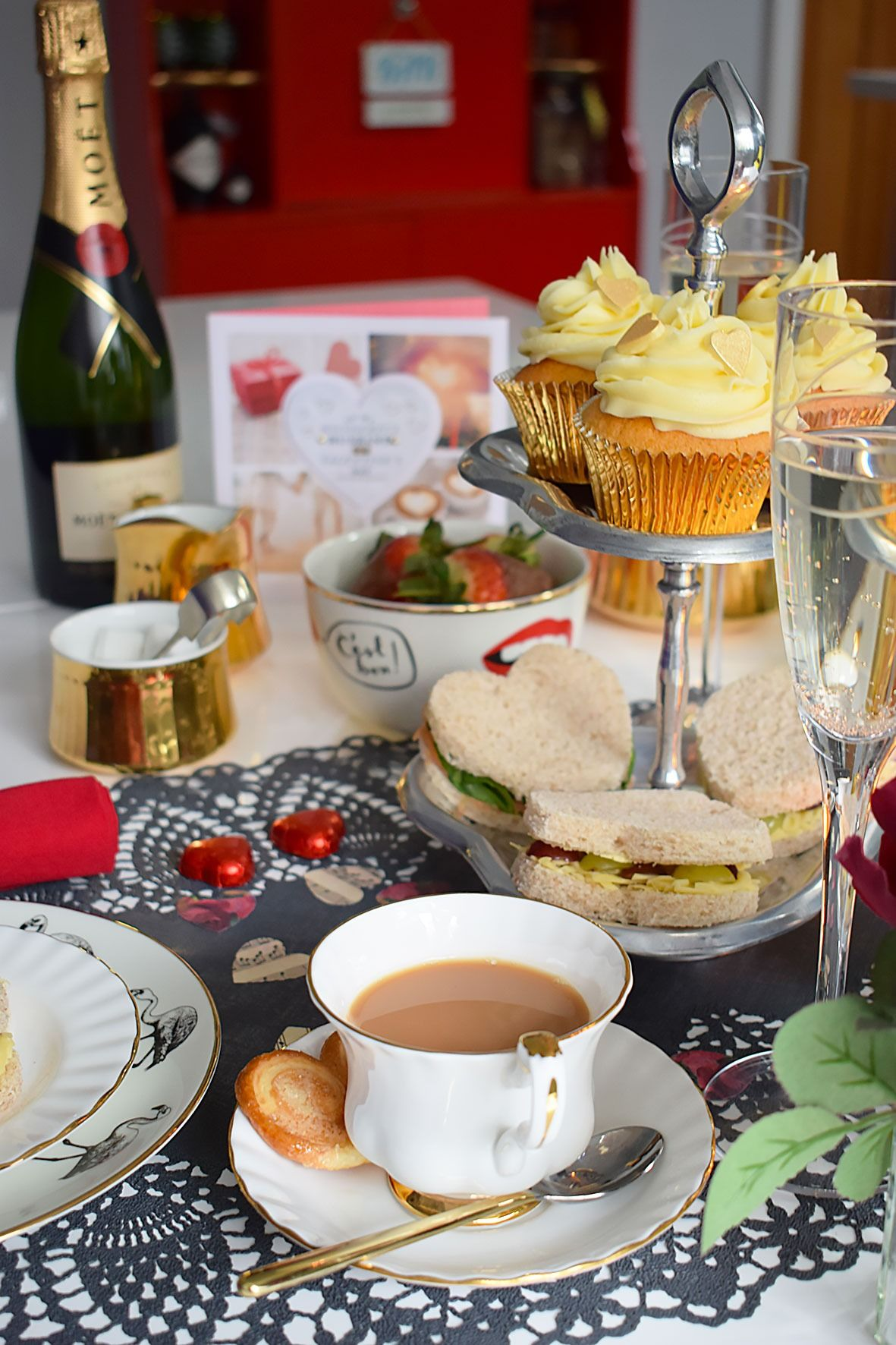 Valentine\'s Tea Table Inspiration: Glam and Vintage | Romantic table ...