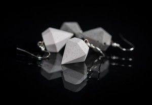 Ohrhänger aus Beton und Silber