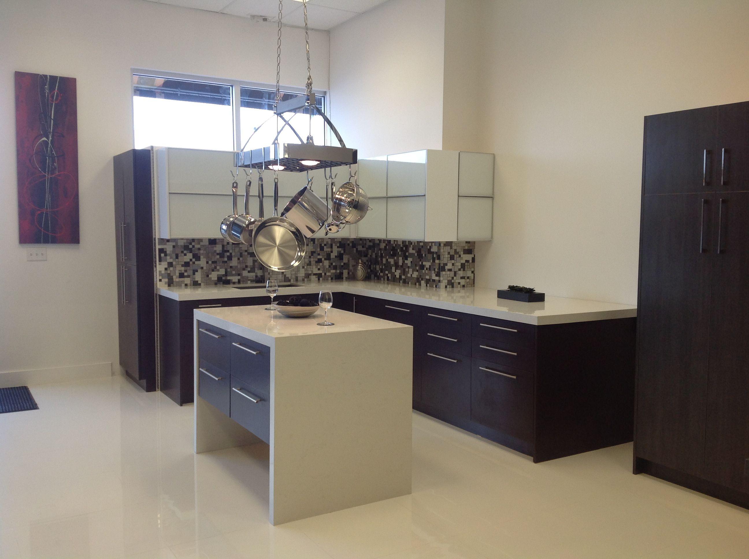 Dax International Brokers Has A New Showroom 111850 Hialeah Gardens Blvd 125 Home Decor Home Corner Desk