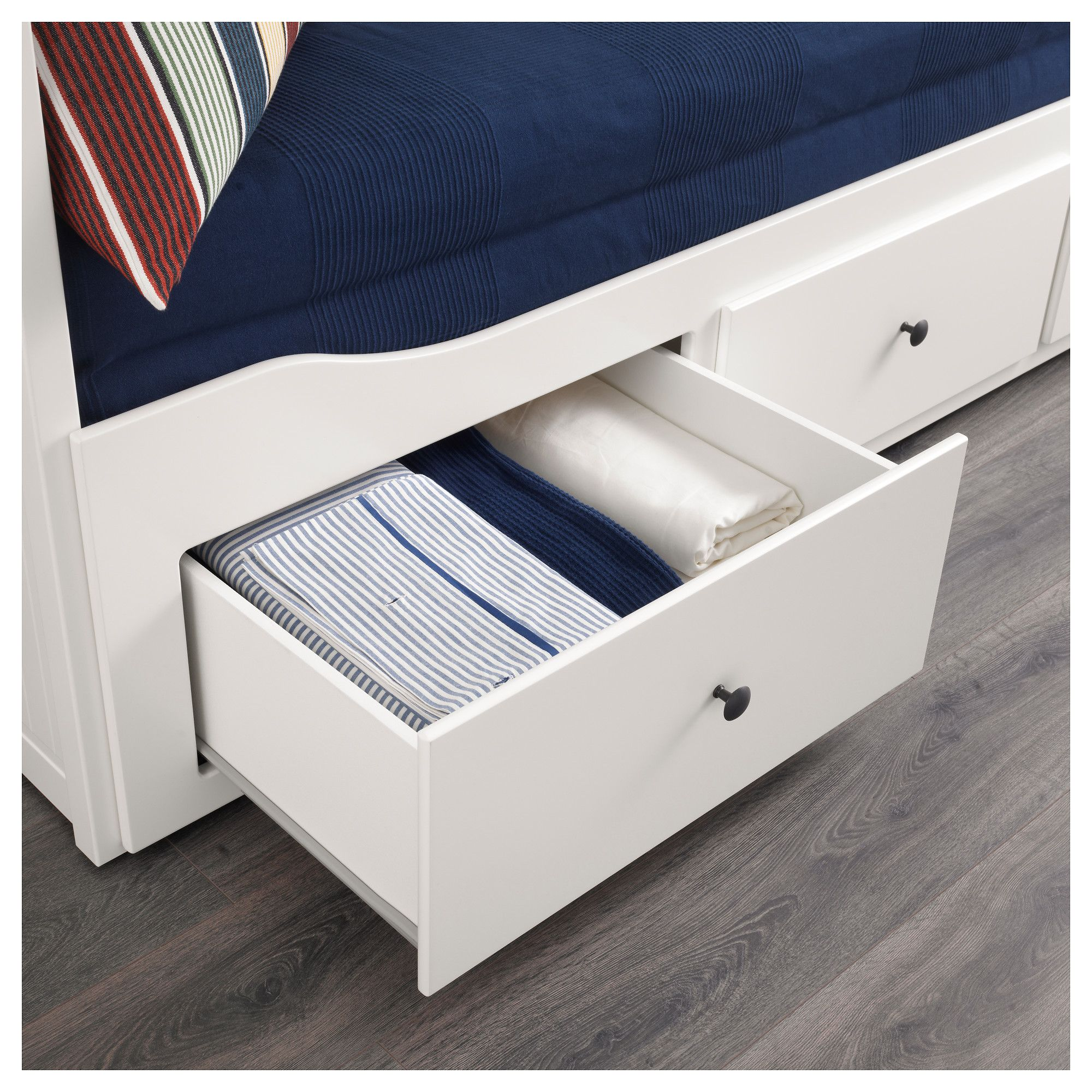 IKEA - HEMNES Daybed frame with 3 drawers white   Products ...