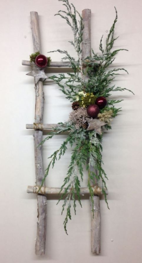 10+ Easy Evergreen Christmas Decorations To Bring More Greens Into Your House This Christmas #xmasdecorations
