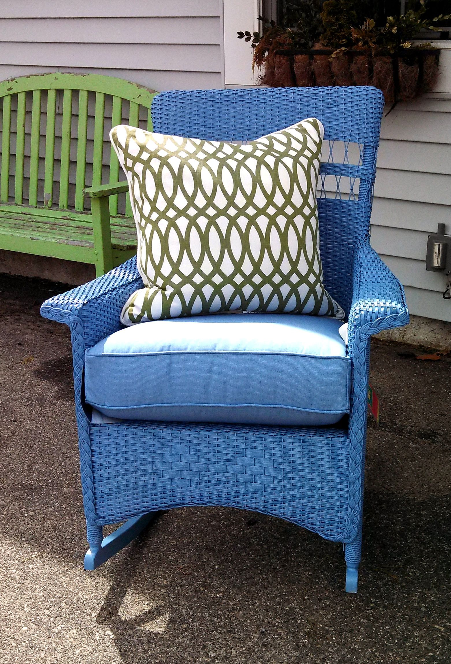New Lloyd Flanders outdoor wicker rocker Relax