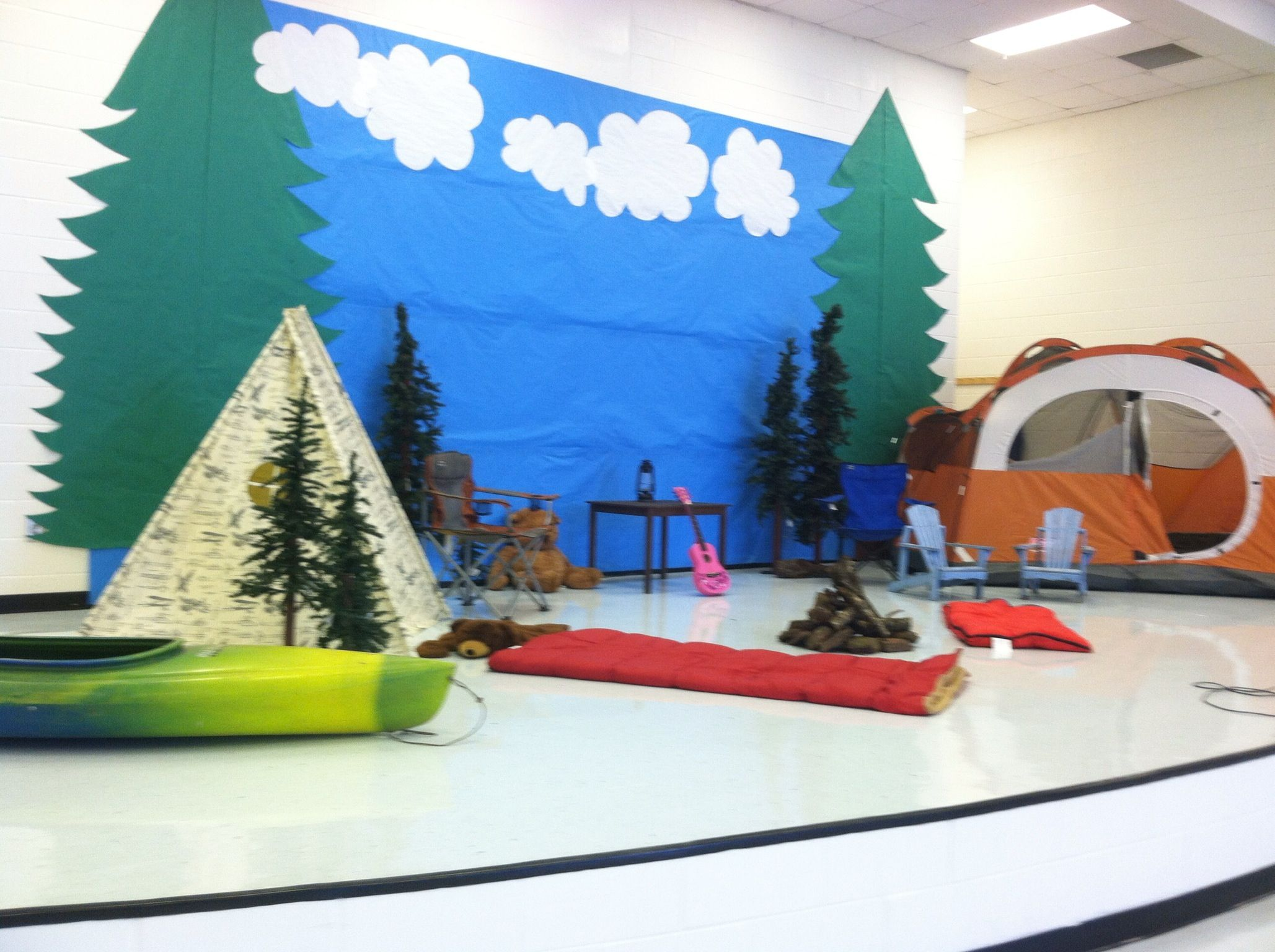 Camping Classroom Decorations : Boosterthon camp high five stage theme at rock spring