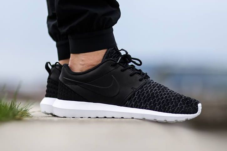 competitive price 34d4a 56588 Nike Roshe One Flyknit Premium