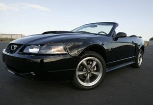 2004 Ford Mustang Gt In 2004 Ford Produced Its 300 Millionth Car A 2004 Mustang Gt Convertible 40th Anniversary Edition In Honor Of This M Small Sports Cars 2004 Ford Mustang Ford Mustang Gt