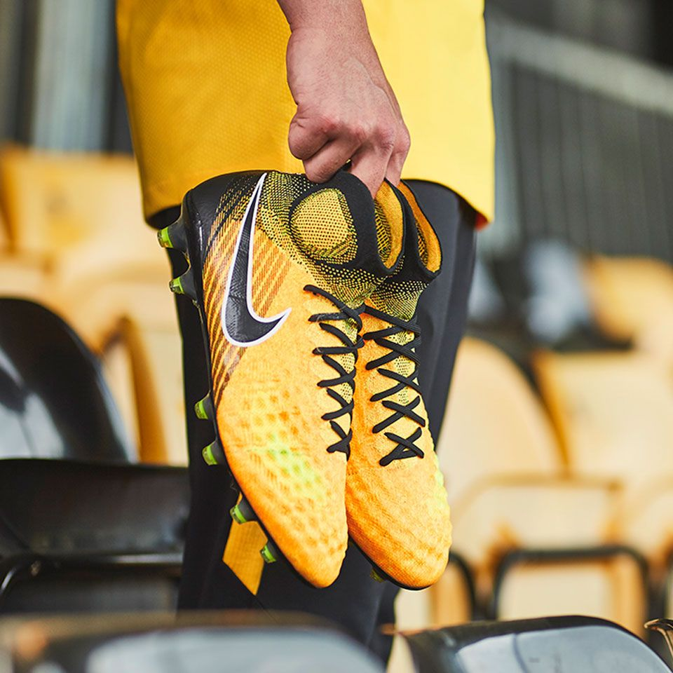 Sepatu Bola Nike Magista Obra Ii Fg Laser Orange Black White