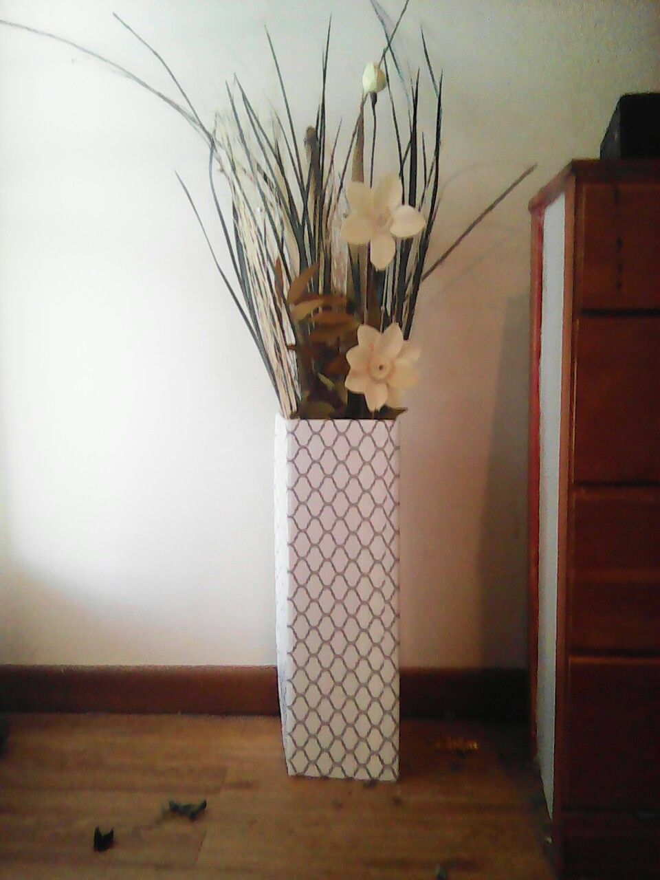 Diy Floor Vases From Cardboard And Contact Paper 5 Diy