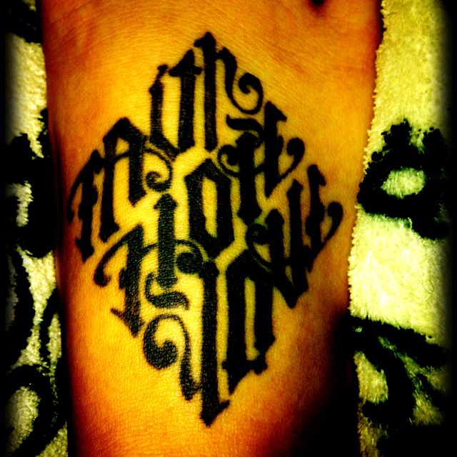 Hands Ambigram Tatoos 3: I Love My Ambigram Tattoo