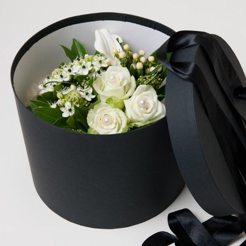Fresh flowers delivered luxury white roses and lily fresh flowers fresh flowers delivered luxury white roses and lily fresh flowers hat box mightylinksfo Image collections