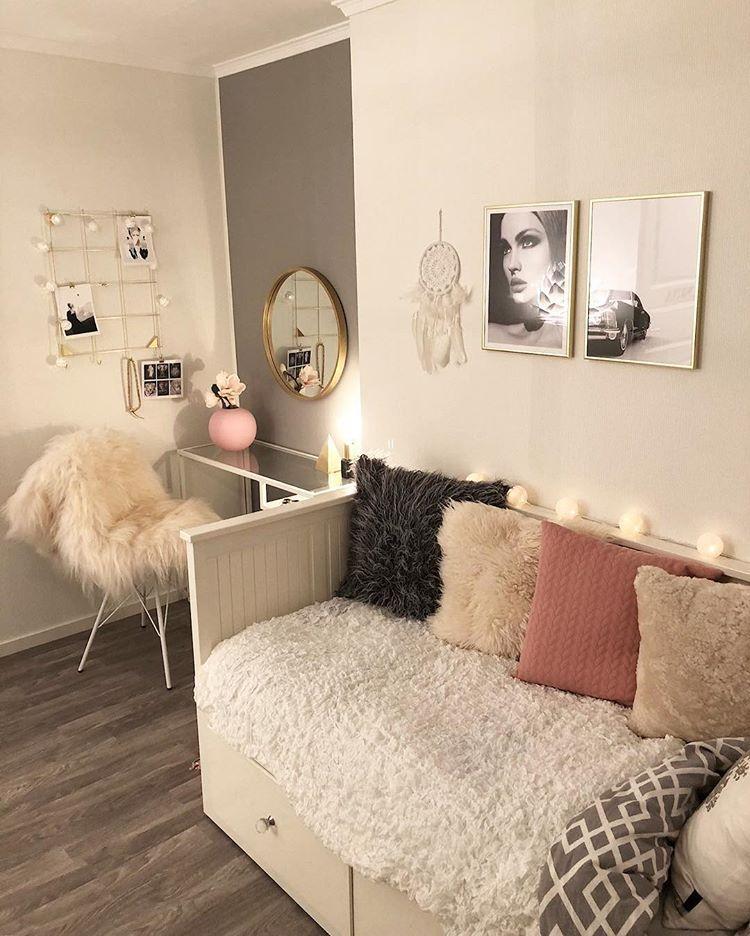 "Photo of M onica su Instagram: ""Hei Norge????♀️??♀️ ~~~~~~~~~~~~~~~~~~~~~~~~~~~~~~~~~~~~ @shepherdofsweden / annuncio #bedroomdecor #pillow #roomforgirl #decor #decoracao # decoração… """