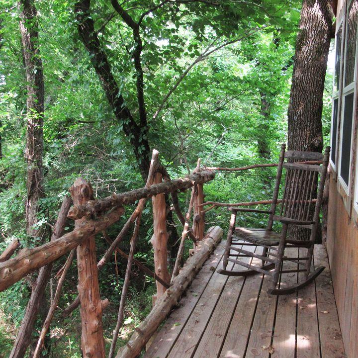 Bare Creek Hollow Treehouse Savannah's Meadow an hour