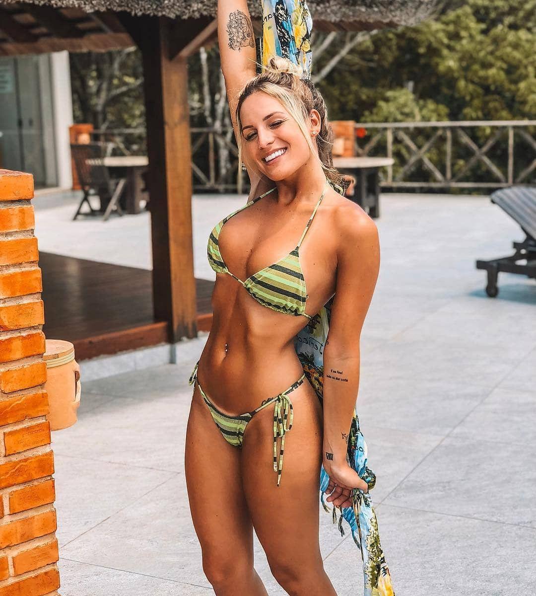Passionate Brazilian Women In 2020 Brazilian Women Hot Brazilian Women Scarf Hairstyles