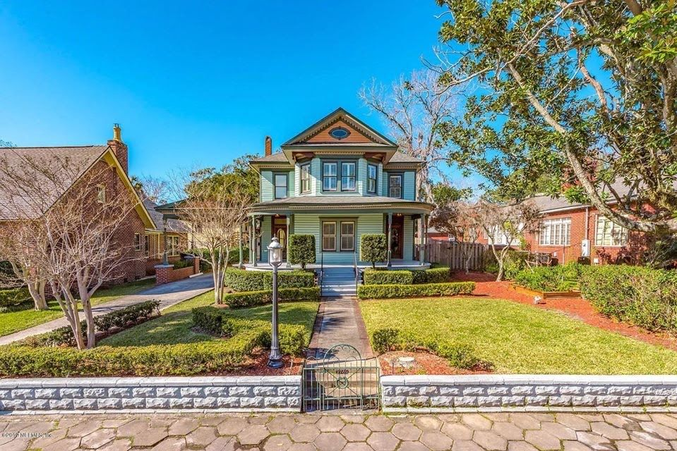 1909 Historic Home In Jacksonville Florida — Captivating