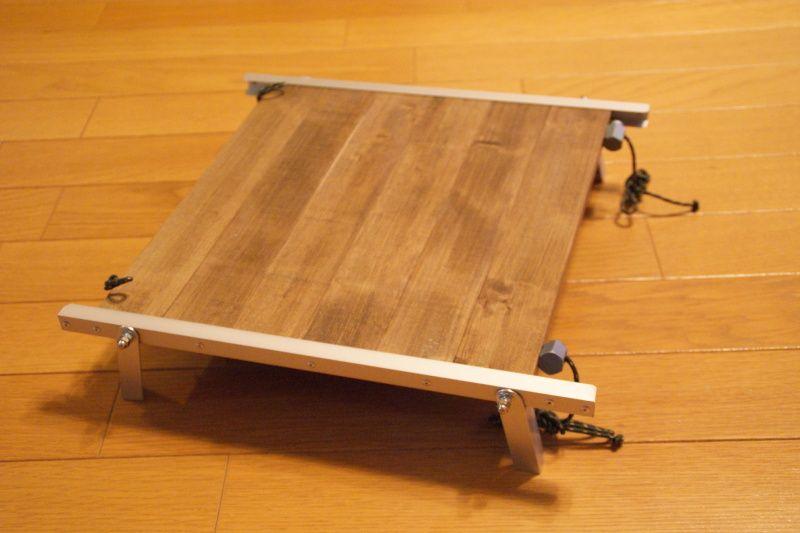 ローテーブルを作った後 サイドテーブル的なものが欲しいと思い ソロテーブルを自作してみました サイズ 30cm X 27cm X 6 5cm H 材料 キャンプ テーブル キャンプ 自作