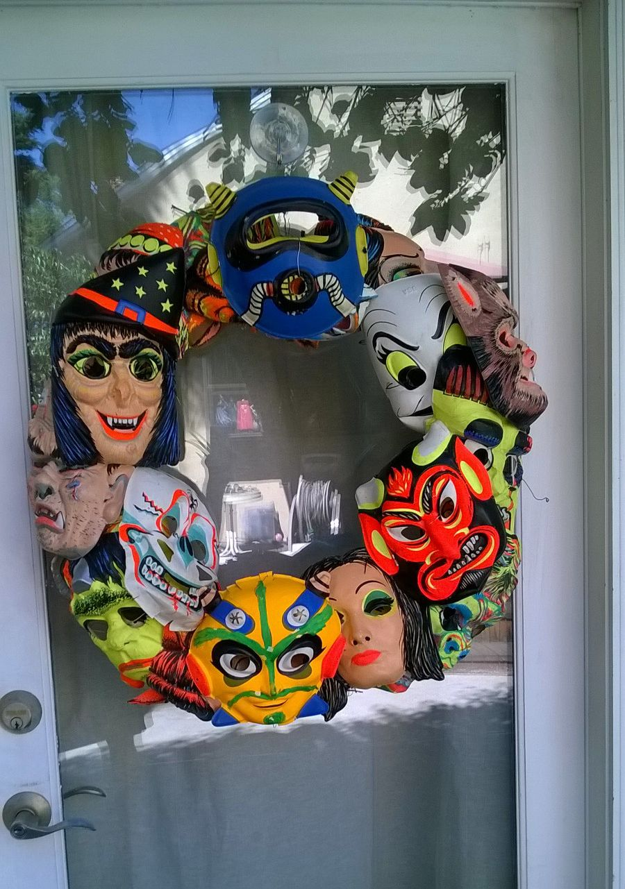 My vintage Halloween Mask Wreath!! Happy Halloween! | Retro ...
