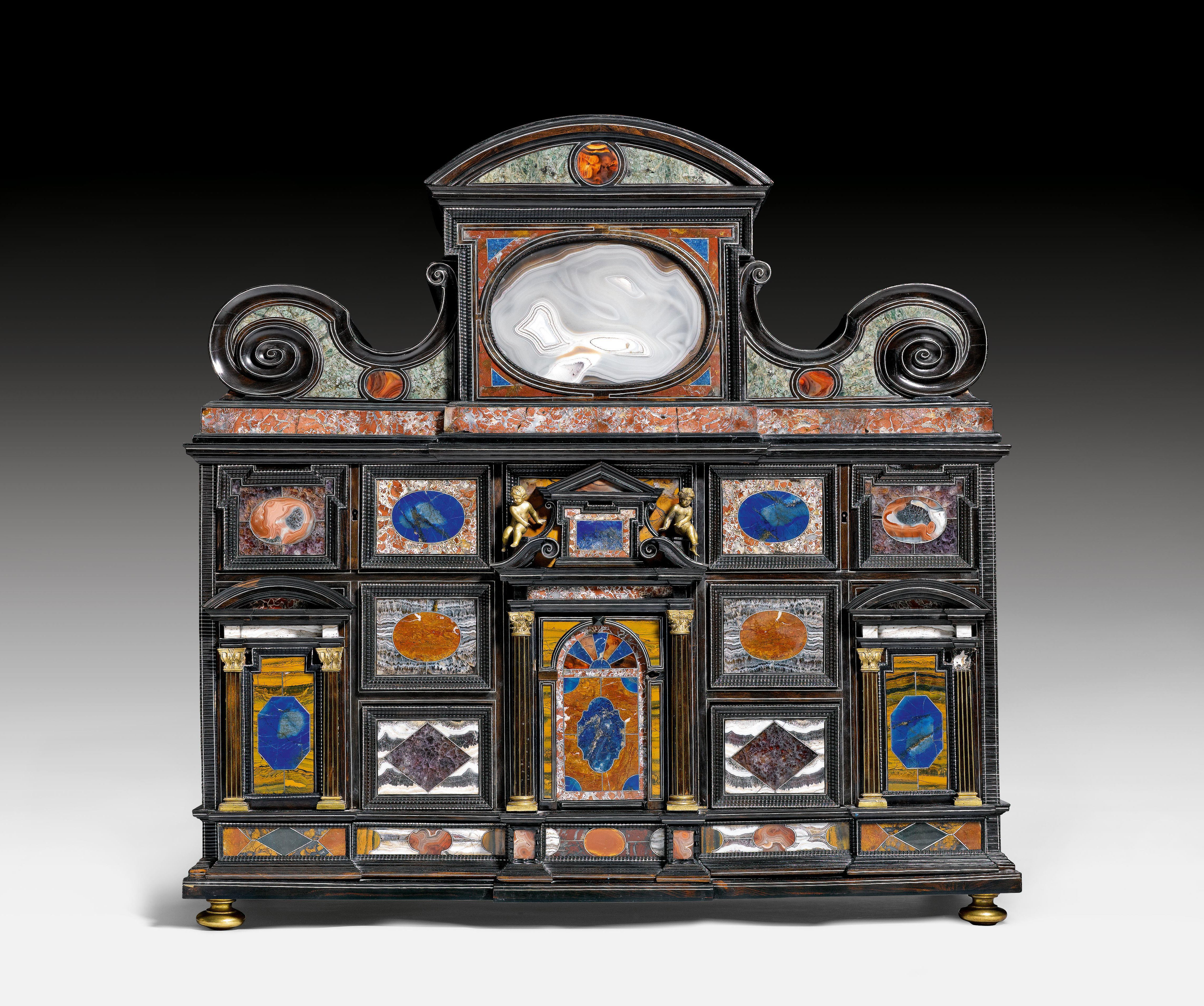 """PIETRA PAESINA""-KABINETT,    Renaissance, eine Schublade bez. und dat. AD DEN 8 TAG DEZEMBER 1636 - JO TOBIAS TAIS FECIT. C..TO STUTIOL, Florenz, 17. Jh koller_l_1.jpg (4564×3814)"