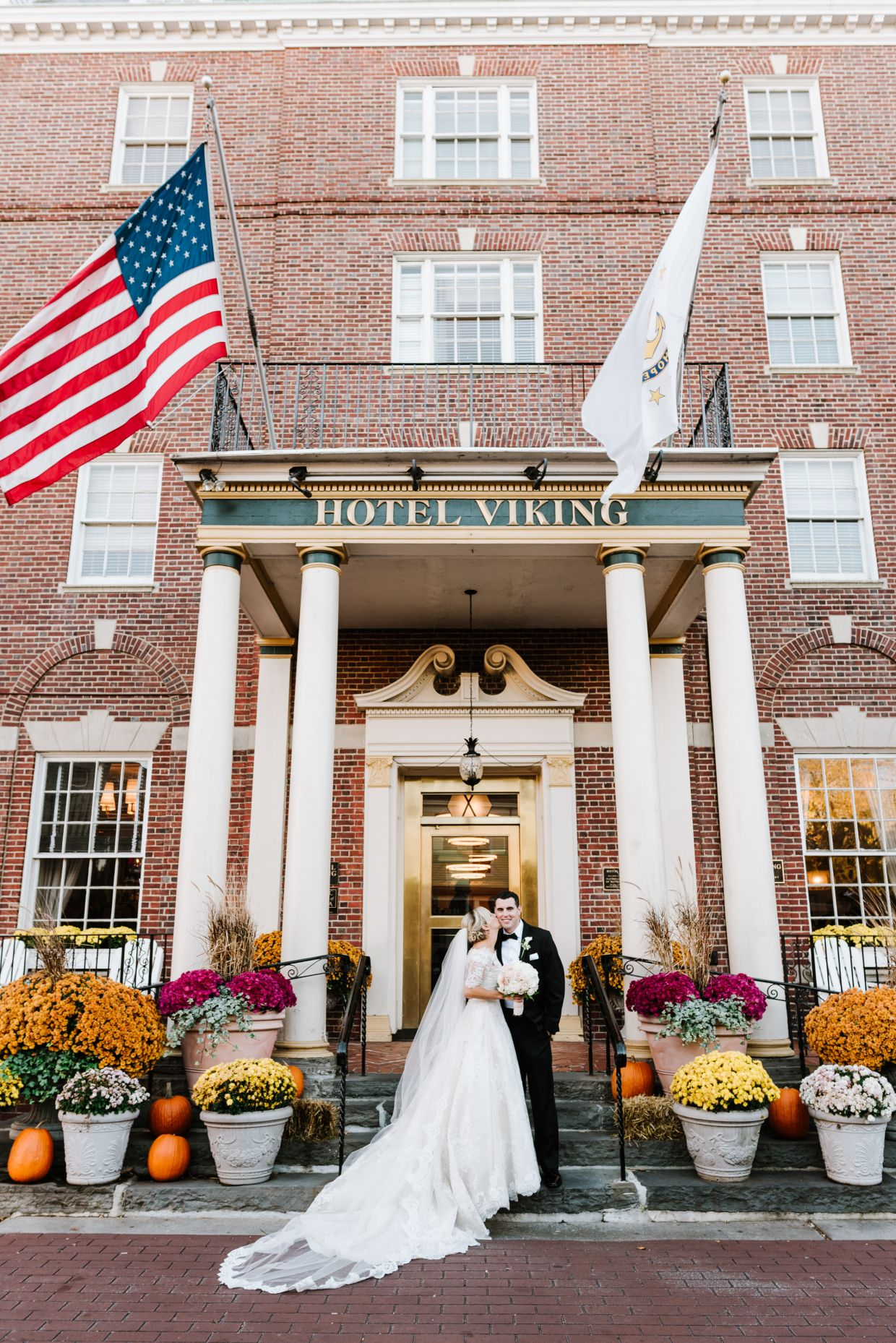 Kristin And Greg S Elegant Hotel Viking Wedding