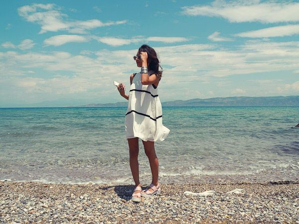 Alanaruas with black stripe dress fashion style blogger