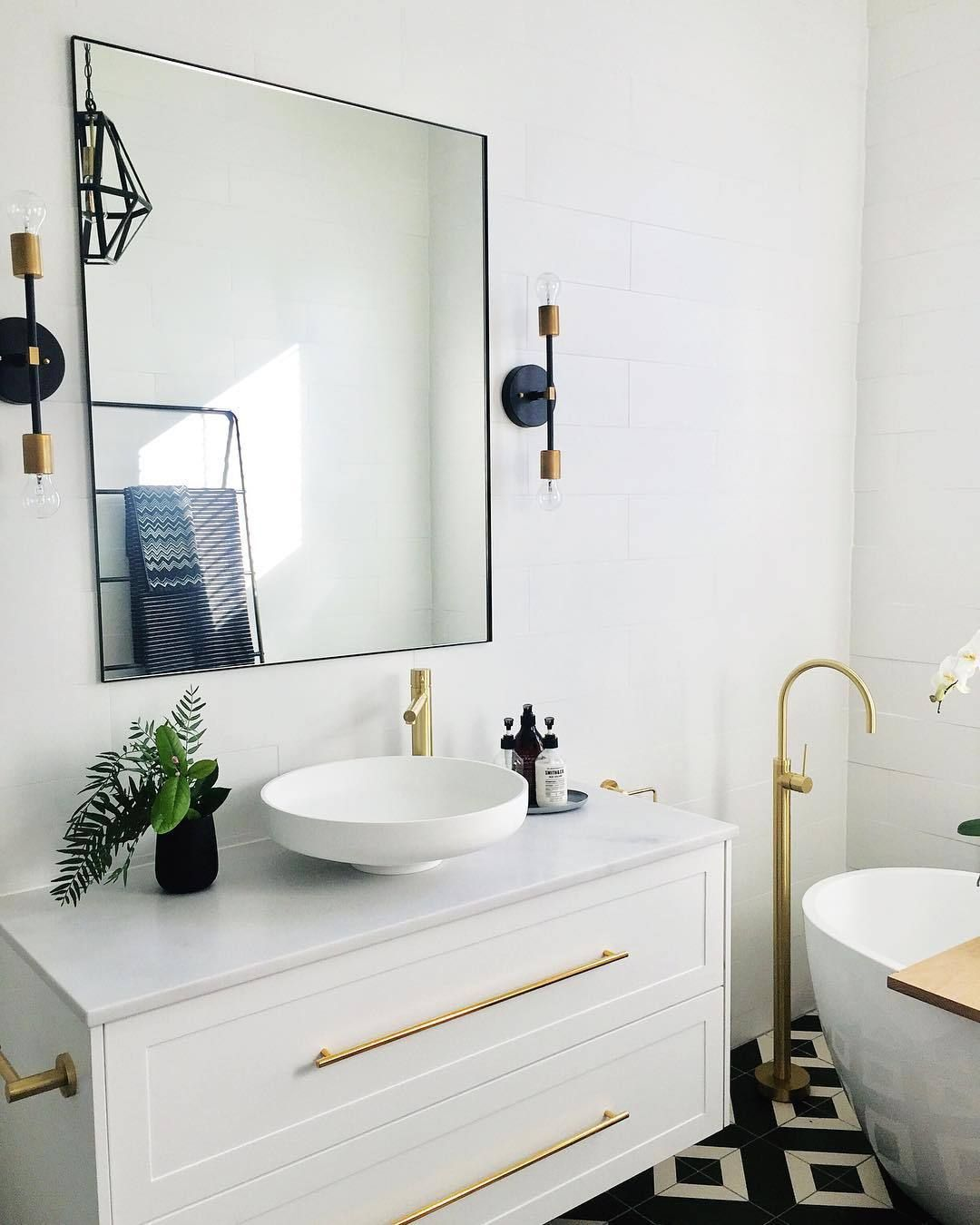 We Re Loving Idistudent Styleluxeforless S Updates To Her Home She Is A Firm Believer That Bathroom Inspiration Interior Design Institute Gorgeous Bathroom