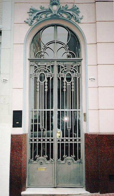 Puerta francesa de hierro y vidrio puerta principal for Puertas y ventanas de hierro antiguas