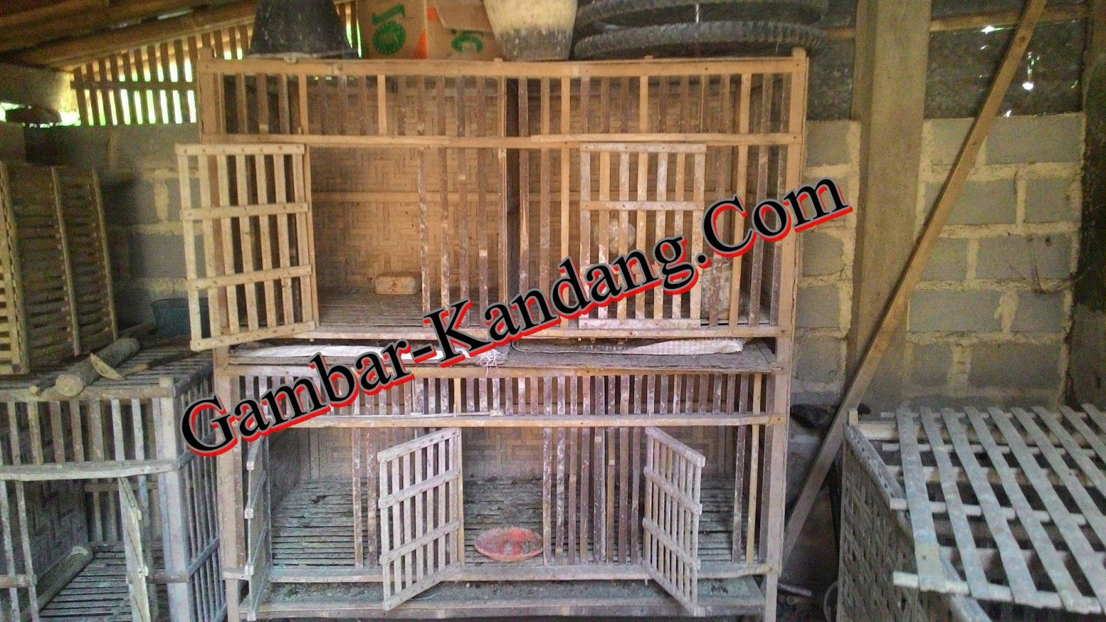 Koleksi Kandang Ayam Kampung Bahan Bambu Kayu Balok Kumpulan Gambar Kandang Ayam Desain Kandang Ayam Ayam Model kandang ayam dari bambu