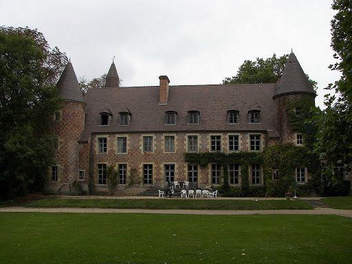 Chateau De Paray Le Fresil Allier Auvergne Architecture Exterior French Chateau Castle