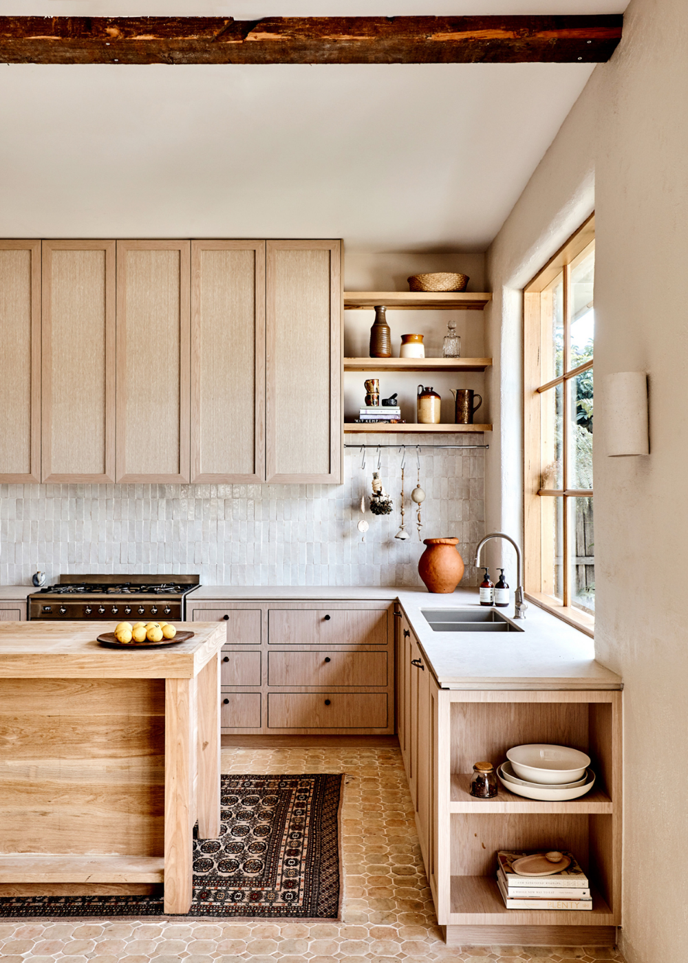 This Warm Wood Kitchen Punctuated By Moroccan Tile And Accents Brings So Much Inspiration In The Wa In 2020 Rustic Modern Kitchen Home Decor Kitchen Kitchen Interior